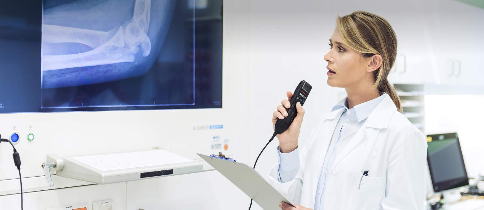 Reconnaissance vocale en milieu médical avec Dragon Medical One